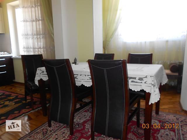 продам Деревянный комплект стол и 6 стульев бу в Одессе