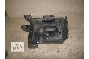 б/у Корпус под аккумулятор Opel