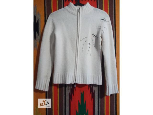 купить бу Дёшево продам свитер на девочку 8-13 лет. В хорошем состоянии в Кривом Роге (Днепропетровской обл.)