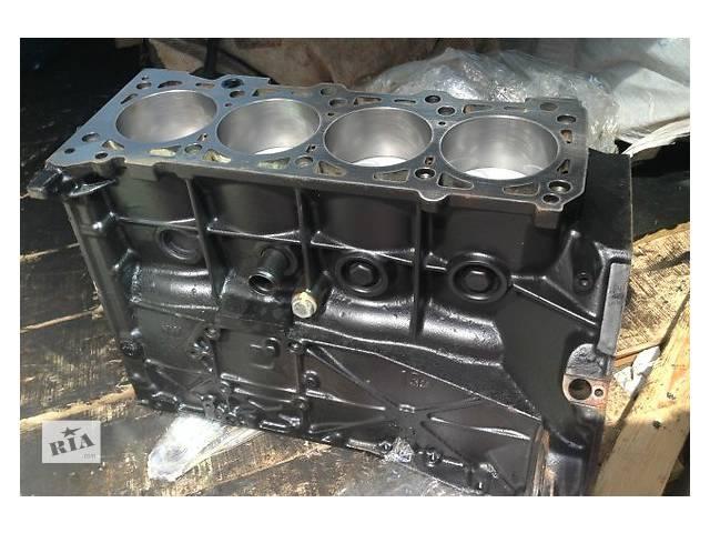 купить бу Детали двигателя Блок двигателя Mercedes C-Class 2.2 в Ужгороде