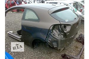 Четверть автомобиля Kia Rio