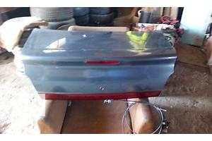 б/у Крышки багажника Chrysler Stratus