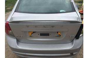 Крышка багажника Volvo S40