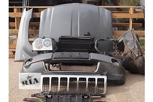 Фара Jeep Grand Cherokee