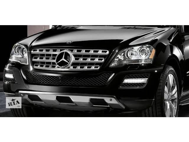 купить бу Бампер передний для легкового авто Mercedes ML-Class W164 lift W166 морда компектная запчасти в Жовкве