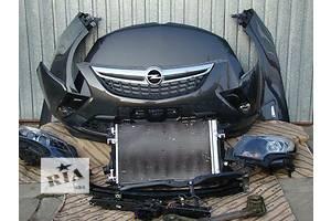 Бампер передний Opel Zafira