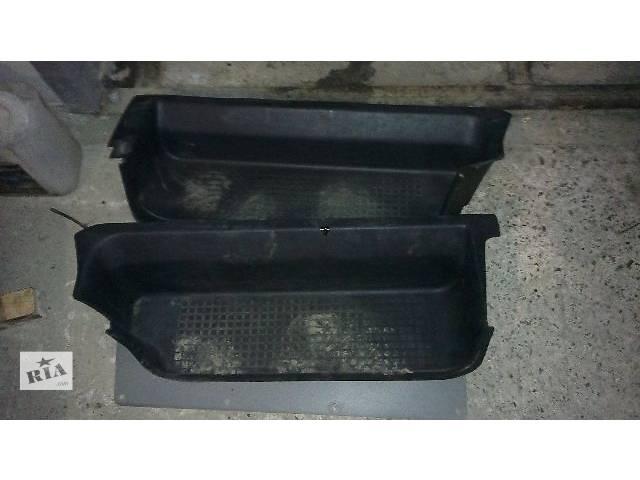 продам Детали кузова Накладка порога Легковой Volkswagen T4 бу в Ровно