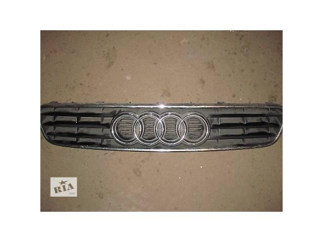 купить бу Детали кузова Решётка радиатора Легковой Audi A3 2000 оригинал идеал в Харькове