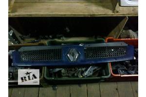 Решётка радиатора Renault Trafic