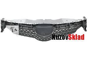 Новые Решётки радиатора Toyota Auris