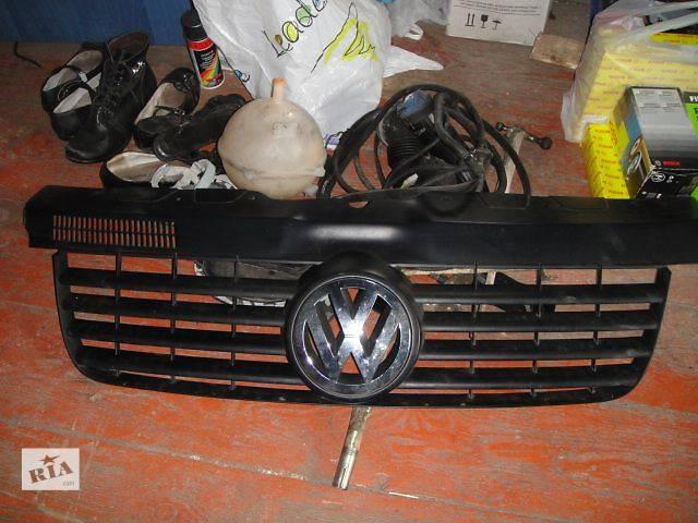 купить бу Детали кузова Решётка радиатора Легковой Volkswagen T5 (Transporter) в Львове
