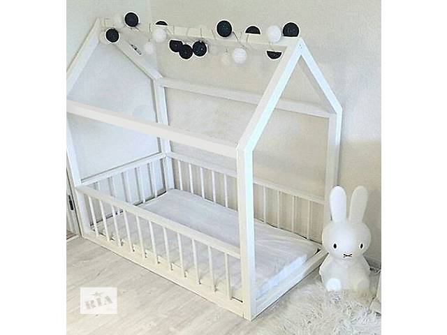 Детская кровать (кровать-домик) деревянная, мебель в детскую- объявление о продаже  в Чернигове