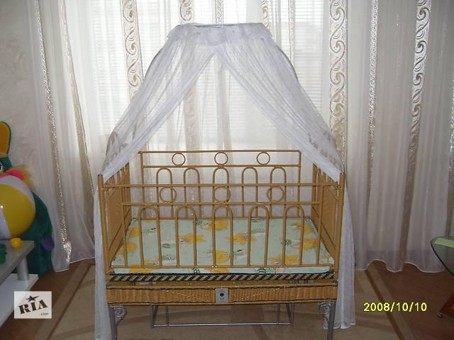 купить бу Детская кроватка на пульту управления (авто укачивание) в Миргороде