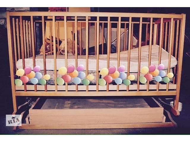 Детская кроватка и матрас на кокосовой стружке- объявление о продаже  в Киеве