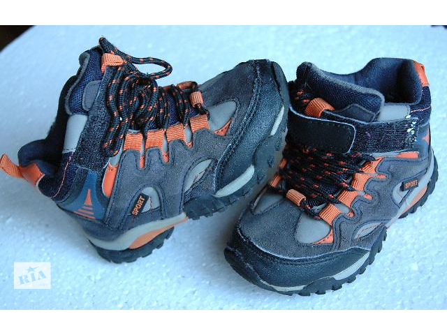 продам детские ботинки бу в Черкассах