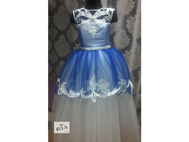 продам Детские платья бу в Киеве