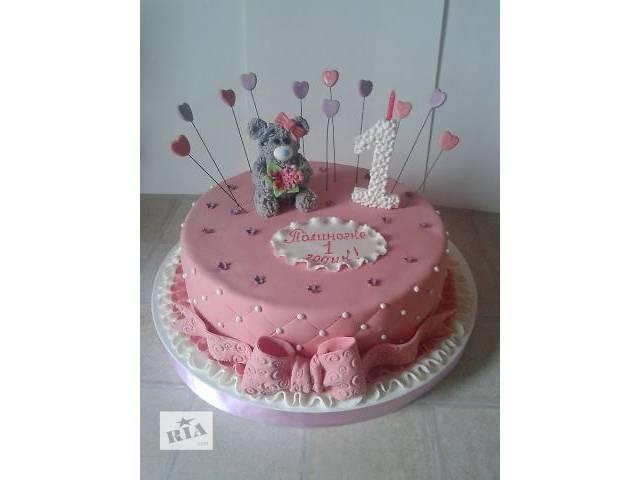 продам Детский розовый торт на годик девочке с мишкой, единичкой, бантом и сердечками бу в Киеве