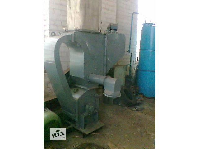Дробилка зерновая ДБ-5, производит. 5 т/час, б/у.- объявление о продаже  в Житомире