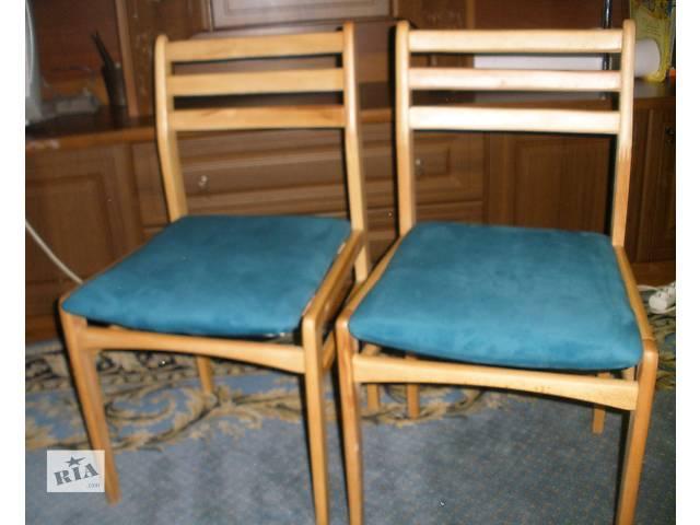купить бу Два стула из дерева бюджет  в Киеве