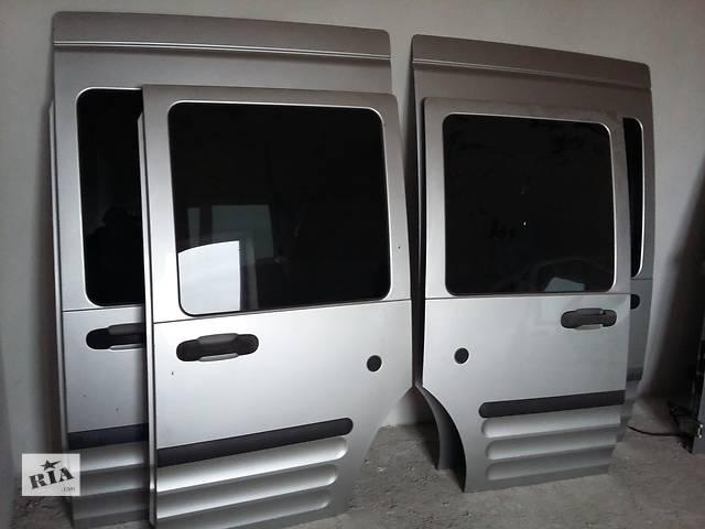 продам  Дверь боковая сдвижная для легкового авто Ford Transit Connect бу в Львове