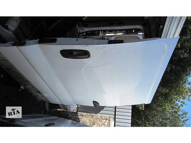 купить бу  Дверь боковая сдвижная правая, левая Renault Trafic Рено Трафик Opel Vivaro Опель Виваро Nissan Primastar в Ровно