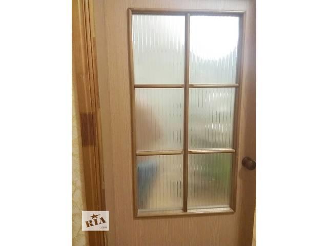 купить бу Дверь межкомнатная со стеклом, коробкой и наличниками в Киеве