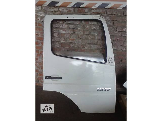 купить бу Дверь передняя для грузовика в Сумах