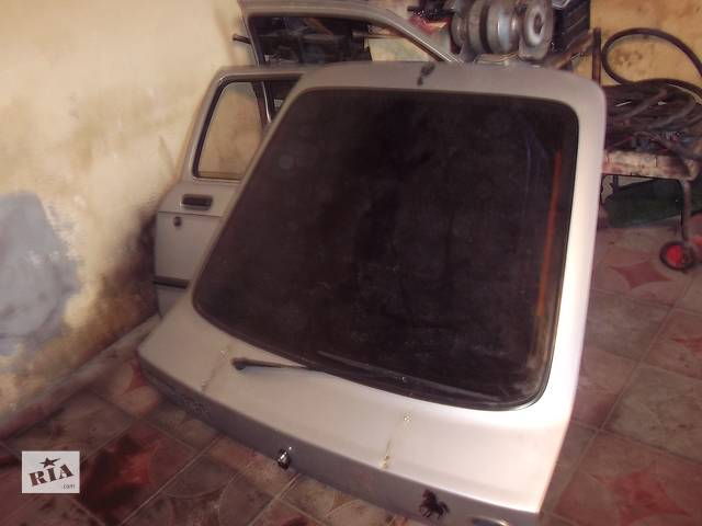 продам Дверь передняя для хэтчбека Ford Sierra 1986 бу в Тернополе