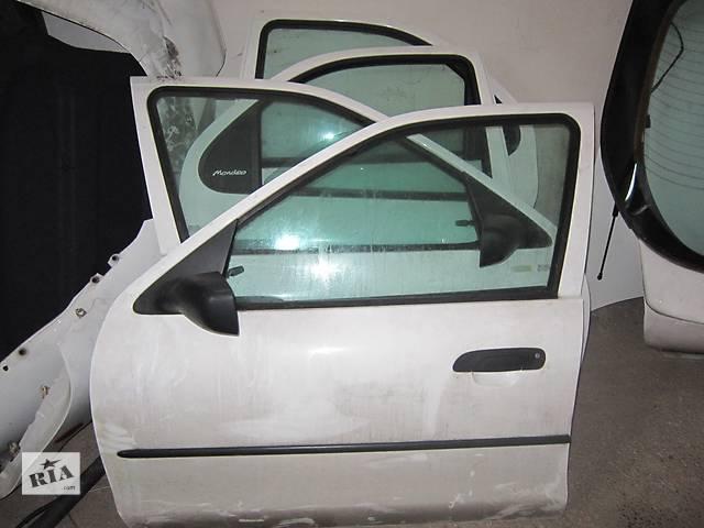 купить бу  Дверь передняя для легкового авто Ford Mondeo 2 в Стрые