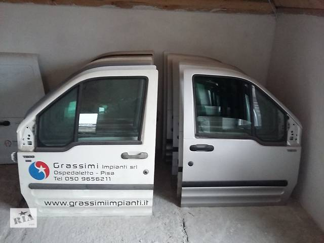 бу  Дверь передняя для легкового авто Ford Transit Connect в Львове
