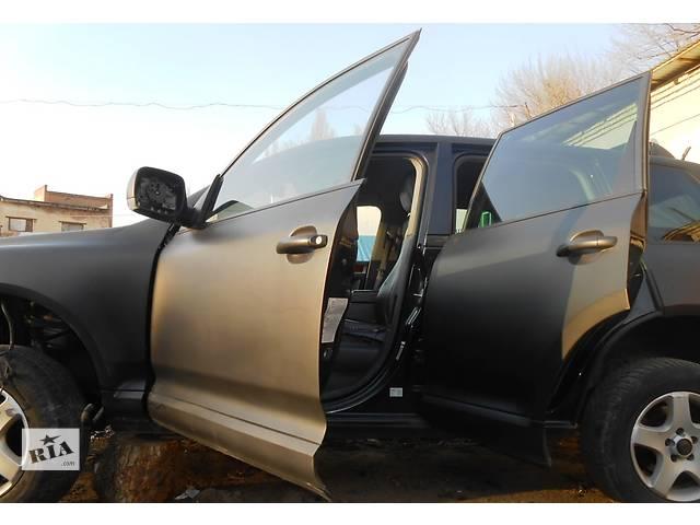 купить бу Дверь передняя правая сторона,двері передні права сторона Volkswagen Touareg в Ровно