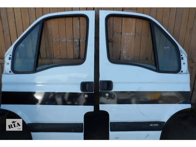купить бу Дверь передняя Рено Renault Мастер Master Опель Opel Мовано Movano 2003-2010 в Ровно