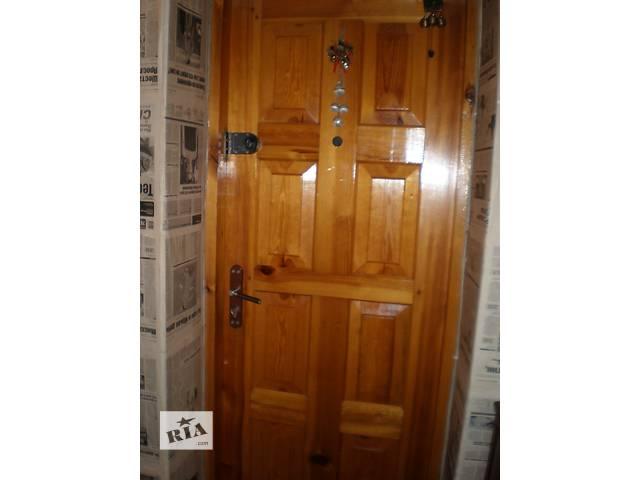 продам Дверь входная деревянная бу в Полтаве