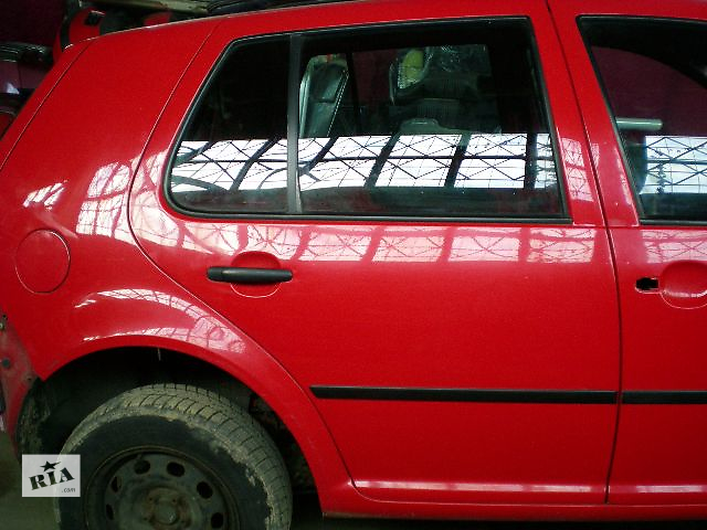 продам  Дверь задняя  Чорні\Червоні  Volkswagen Golf IV бу в Луцке