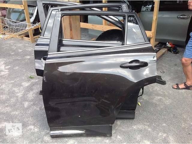 купить бу  Дверь задняя для легкового авто Toyota Rav 4 в Ровно
