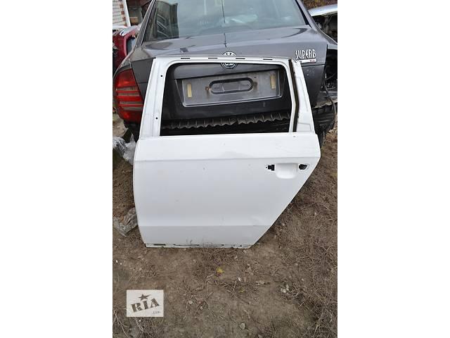 продам  Дверь задняя для легкового авто Volkswagen Passat B7 бу в Остроге