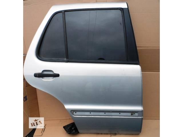 купить бу Дверь задняя Mercedes ML 430 Мерседес МЛ 430 1997-2001 гг в Ровно