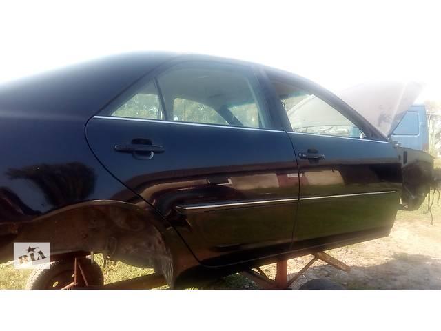 купить бу дверь задняя правая для седана Toyota Camry 30 2002-05 в Львове