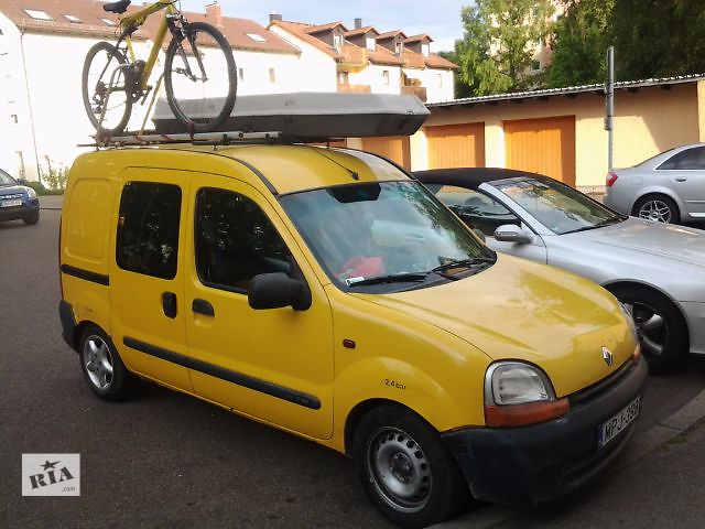 купить бу  передний Бампер Renault Kangoo правая шоферская  дверь в Мукачево