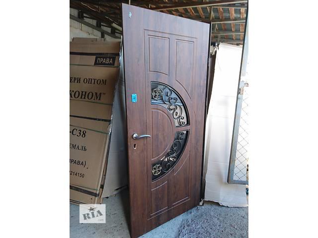 бу Двери входные украинского производства в Львове