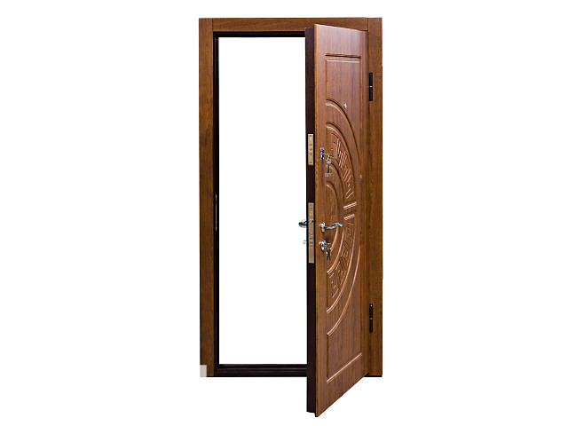 продам Двери бронированые бу в Львове