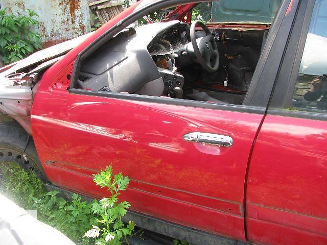 продам Двері передні ліві для Nissan Primera 2000р. бу в Львове