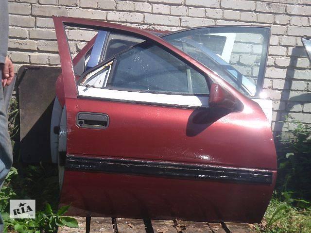 бу Двері передні праві для Opel Vectra A 1991р. в Львове