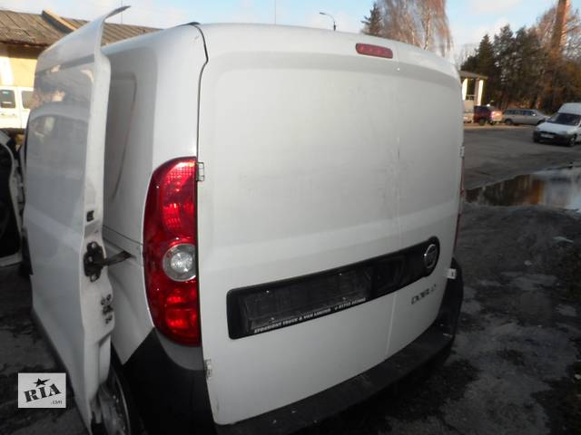 бу Двери задние розпашные Фиат Фіат Добло Fiat Doblo 1.3 Multijet 2009-2015 в Ровно