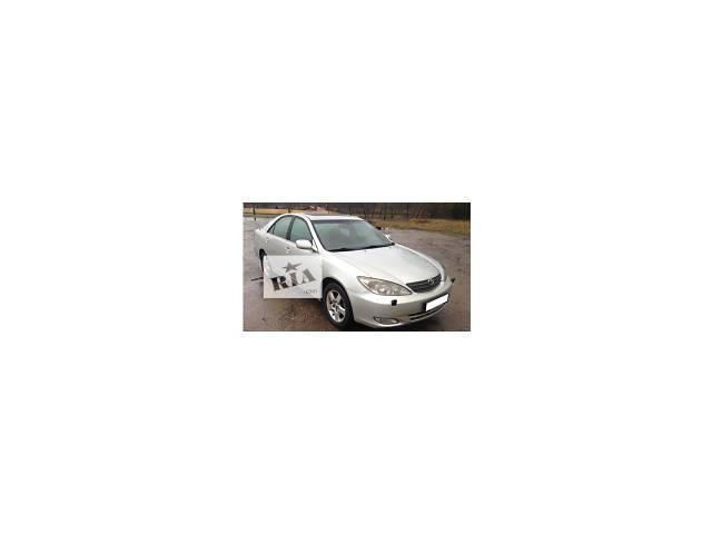 купить бу Двери/багажник и компоненты Дверь передняя Легковой Toyota Camry 2004 в Луцке
