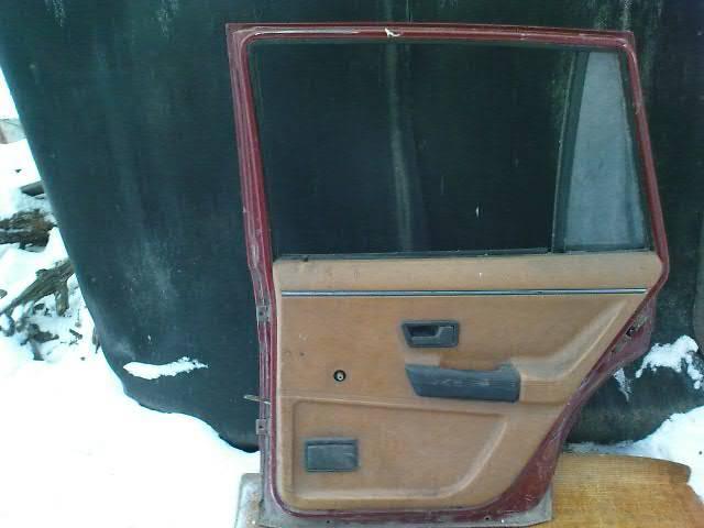 купить бу Компоненты на заднюю дверь Volkswagen Passat B2 в Никополе