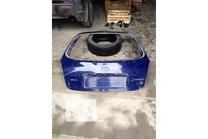 Крышки багажника Toyota Corolla