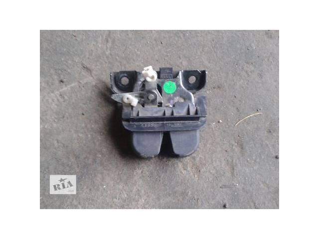 продам Двери/багажник и компоненты Замок крышки багажника Легковой Audi A6 Avant бу в Запорожье