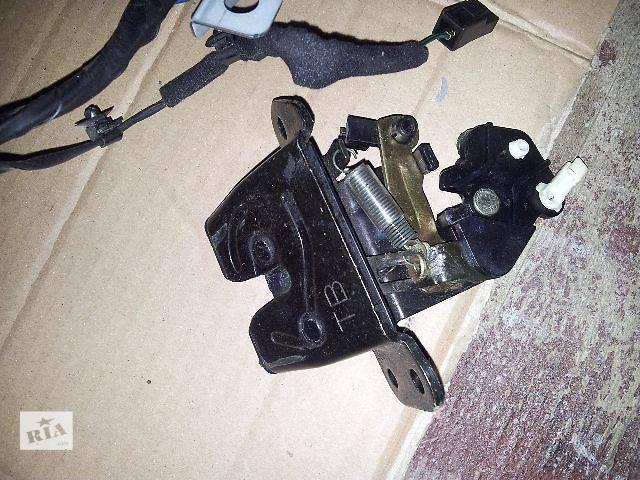 купить бу Двери/багажник и компоненты Замок крышки багажника Легковой Hyundai Tucson в Львове