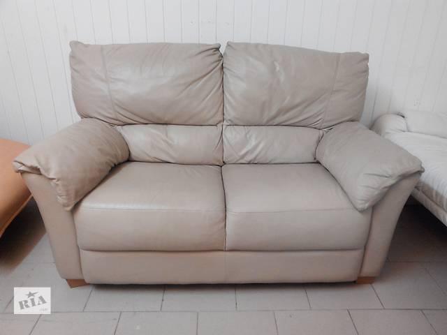 купить бу Двомісний шкіряний диванчик в Львове